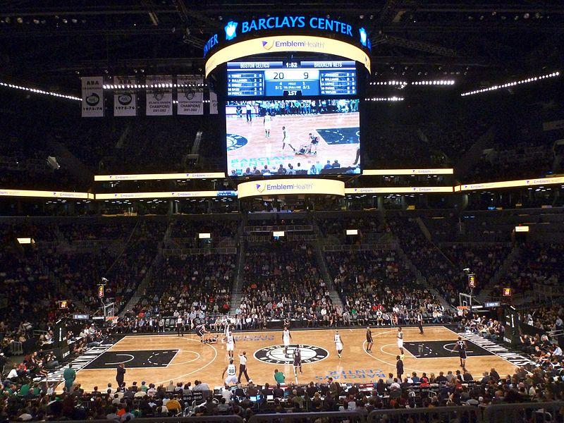 La imagen tiene un atributo ALT vacío; su nombre de archivo es 800px-Barclays_Center_Boston_Celtics-Brooklyn_Nets_2012.jpg